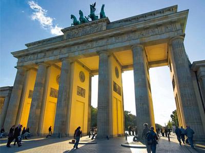 Давайте рассмотрим самые интересные факты о Германии, которые привлекают ежегодно в эту страну сотни тысяч туристов.