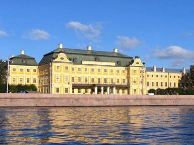 Дворец Меншикова в Петербурге