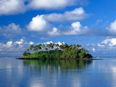 Пятерка необитаемых островов мира