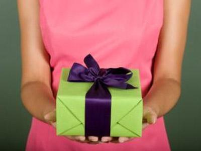 Как выбрать подарок для любого возраста