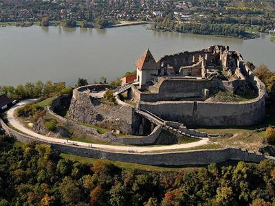 Венгерская Вышеградская крепость